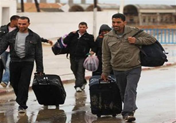 الإحصاء: 1.32 مليون تصريح للمصريين للعمل بالخارج في 2014