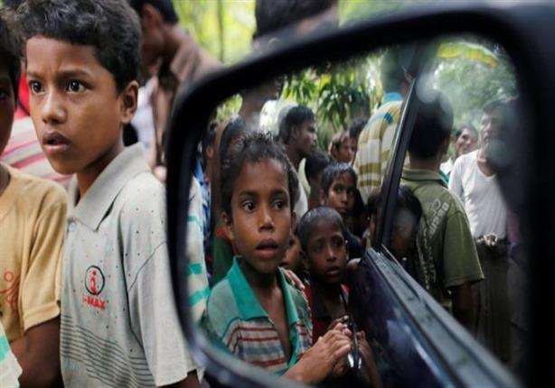 المئات من مسلمي الروهينغا يحاولون الفرار من ميانمار