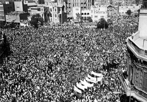 بالصور: أشهر الجنائز.. الزعيم والعندليب وسومة والأستاذ   مصراوى