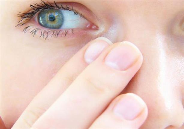 تعاني من جفاف العين؟.. 5 علاجات منزلية فعالة (صور)
