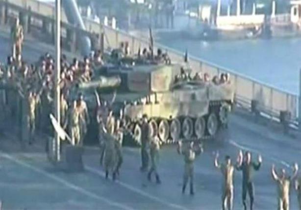 من كان يقف وراء محاولة الانقلاب العسكري؟