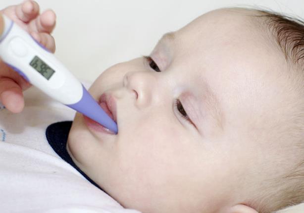 نزلة البرد عند الرضع.. متى تستدعي استشارة الطبيب؟