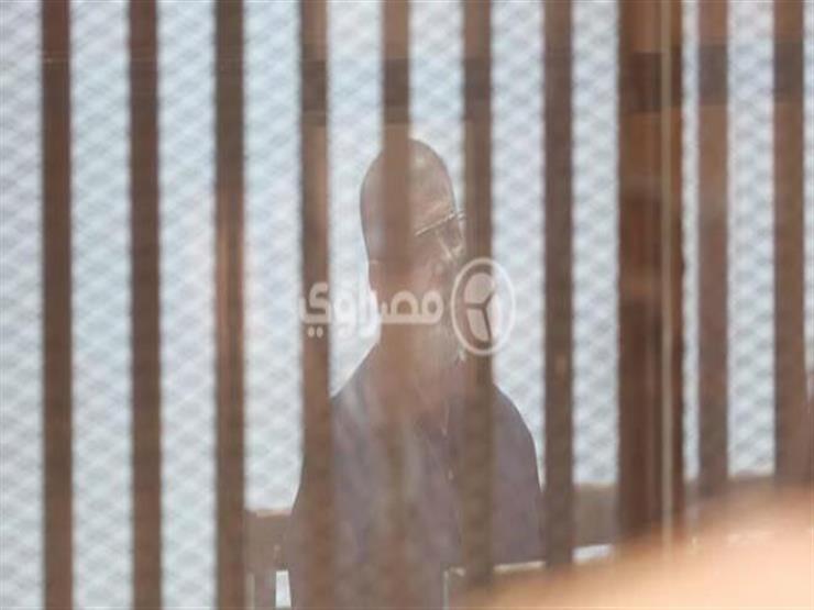 """تأجيل إعادة محاكمة مرسي و27 آخرين في قضية """"اقتحام السجون'' لـ 17 ديسمبر"""