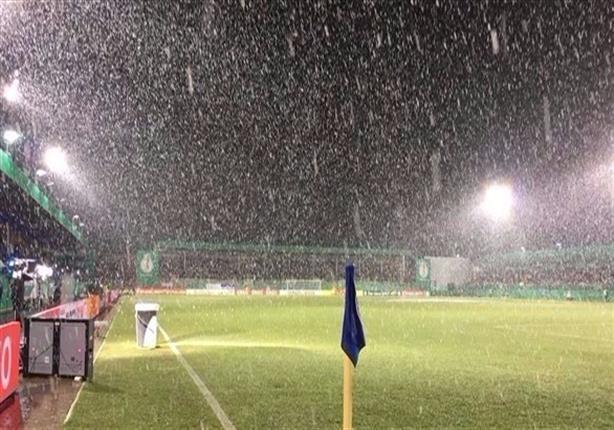 صورة- الثلوج تتسبب في تأجيل مباراة دورتموند في كأس ألمانيا
