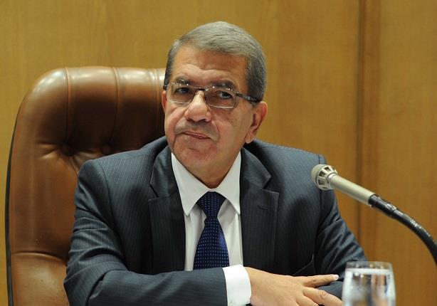وزير المالية يؤكد انخفاض أسعار السلع بعد خفض الدولار الجمركي