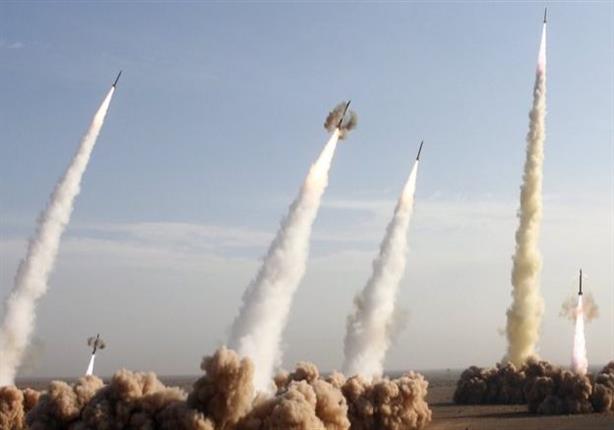 إيران تجري اختبارات لأنظمة صواريخ ورادار في تحد للعقوبات الأمريكية