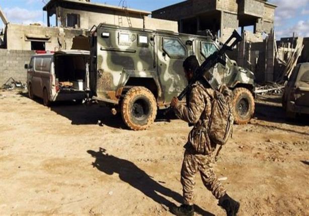 اتهامات لمقاتلين ليبيين بالإجهاز على أسرى وتدنيس جثث في بنغازي