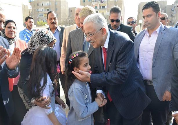 بالصور.. تفاصيل زيارة وزير التعليم للأسر القبطية النازحة من العريش إلى الإسماعيلية