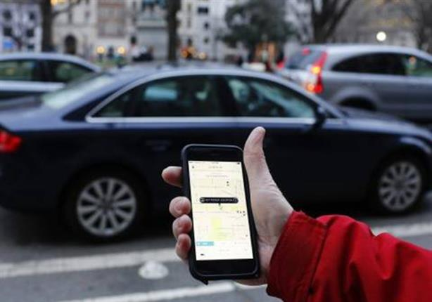 """الحكومة تحدد """"7 ساعات"""" كحد أقصى لعمل سيارات أوبر وكريم"""