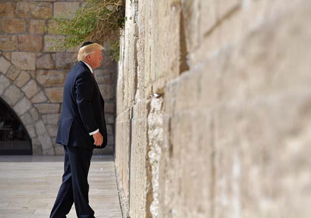 """هآرتس: ترامب أول رئيس أمريكي """"في المنصب"""" يزور حائط البراق"""