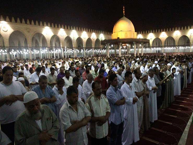 """المسلمون يتحرون """"ليلة القدر"""" في أوتار العشر الأواخر من رمضان"""