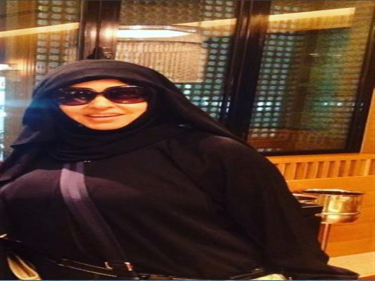 بالفيديو- فيفي عبده تؤدي مناسك العمرة وتنصح متابعيها بالإكثار من الدعاء