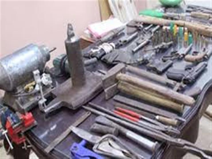 مأمورية الزراعات توقع حدادا يدير ورشة لتصنيع السلاح في الحوامدية