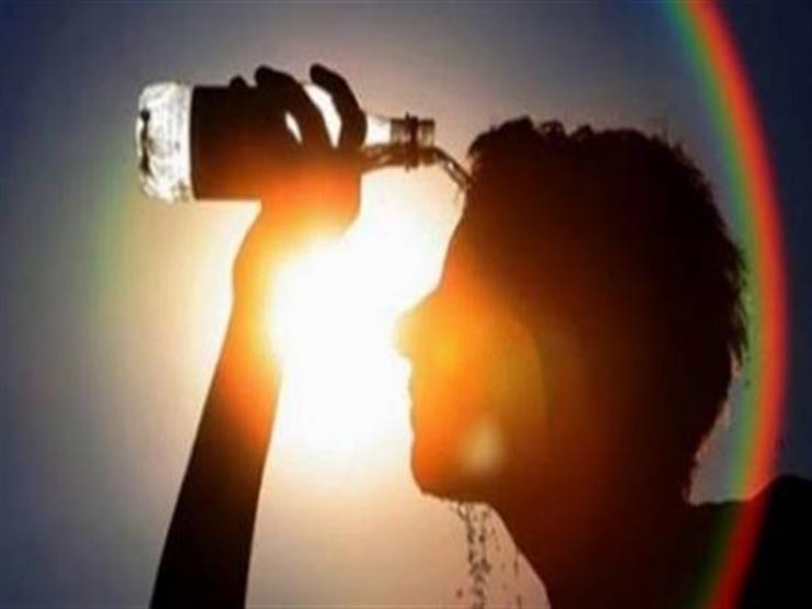 طقس الجمعة.. حرارة شديدة يزيد من الإحساس بها ارتفاع الرطوبة