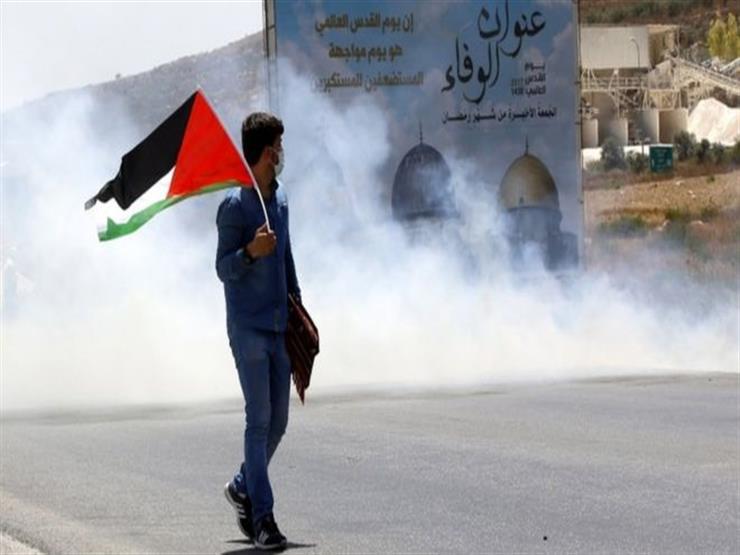 إصابة فلسطيني بالرصاص وآخرين بالاختناق جراء قمع الاحتلال لمسيرة في نابلس