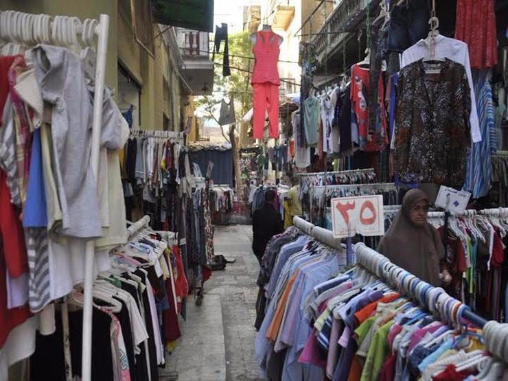 لماذا يشتري الأجانب الملابس من وكالة البلح؟