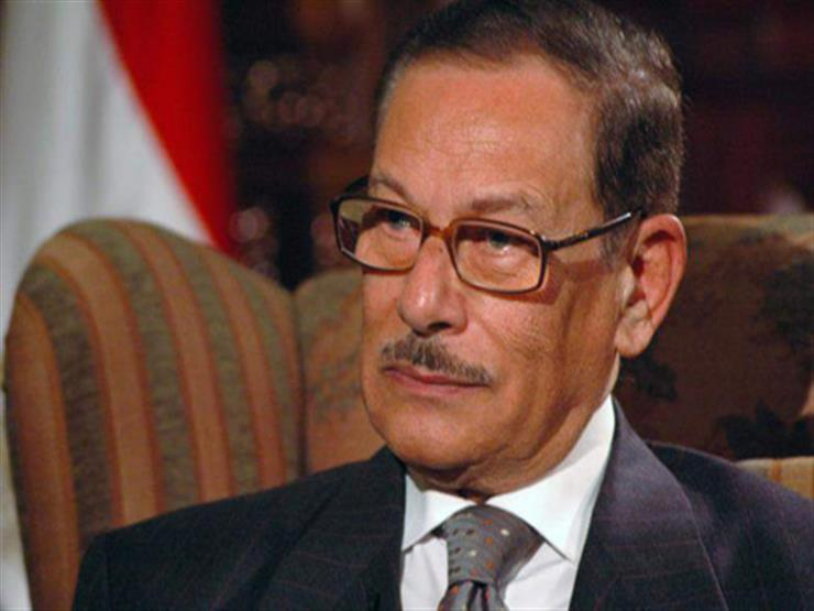 هنا مدفن صفوت الشريف بجوار الرئيس الأسبق حسني مبارك