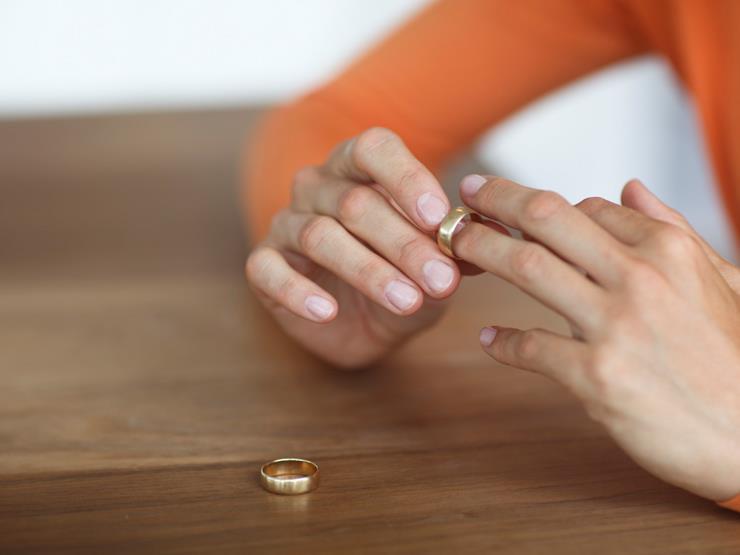 هل تأثم الزوجة إذا حصل الزوج بالكذب على فتوى بعدم وقوع الطلاق؟.. الإفتاء تجيب