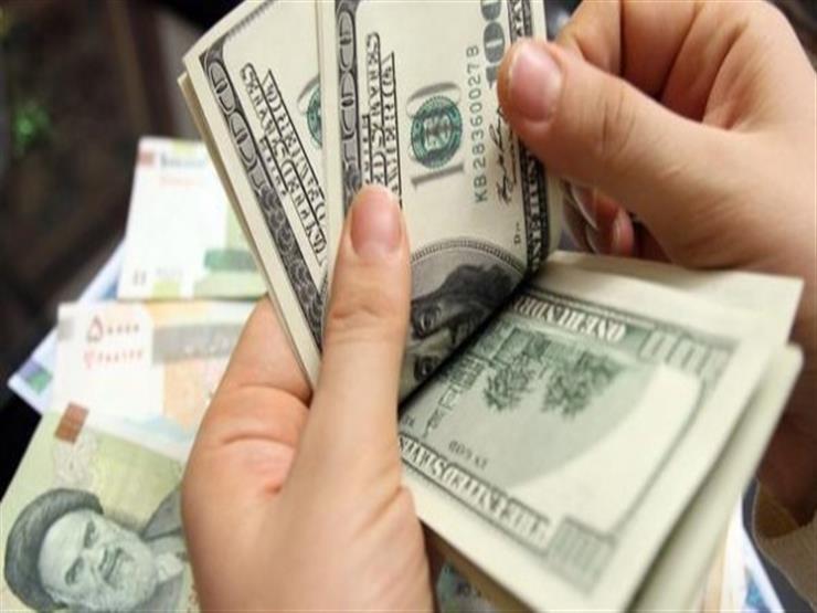 أسعار الدولار تتراجع 4 قروش مقابل الجنيه في أسبوع