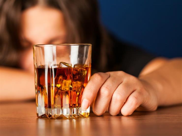 بعد 38 عامًا.. سيريلانكا تلغي الحظر على بيع الكحول للنساء لهذا السبب