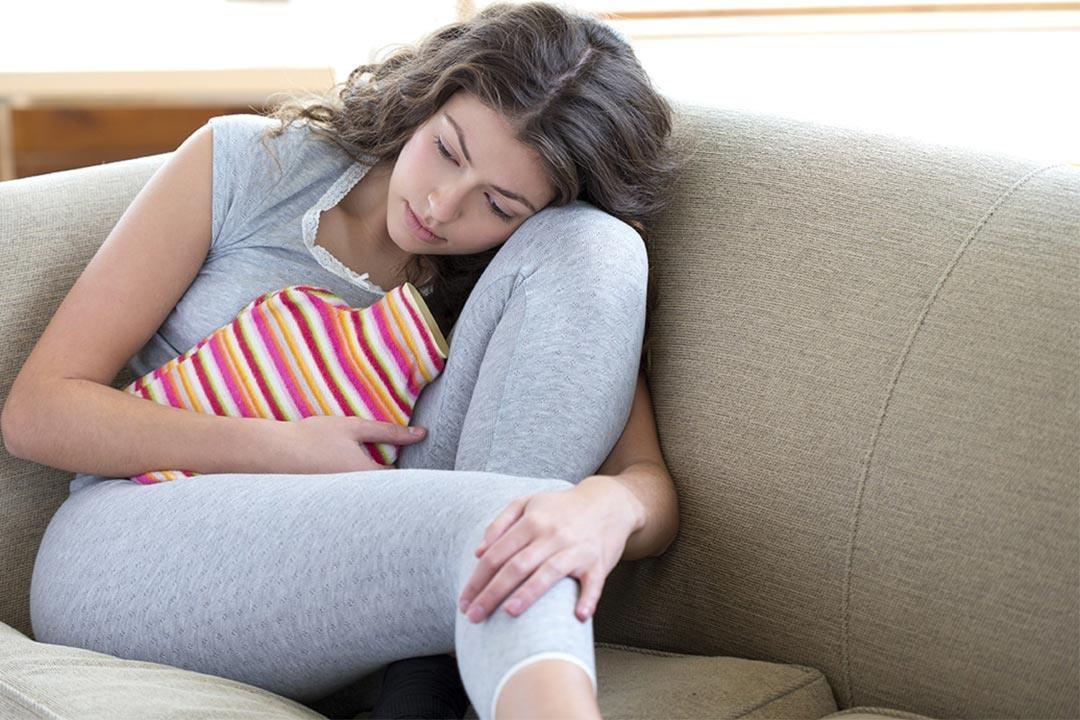 تعانين من آلام الدورة الشهرية إليك الأسباب والعلاج الكونسلتو