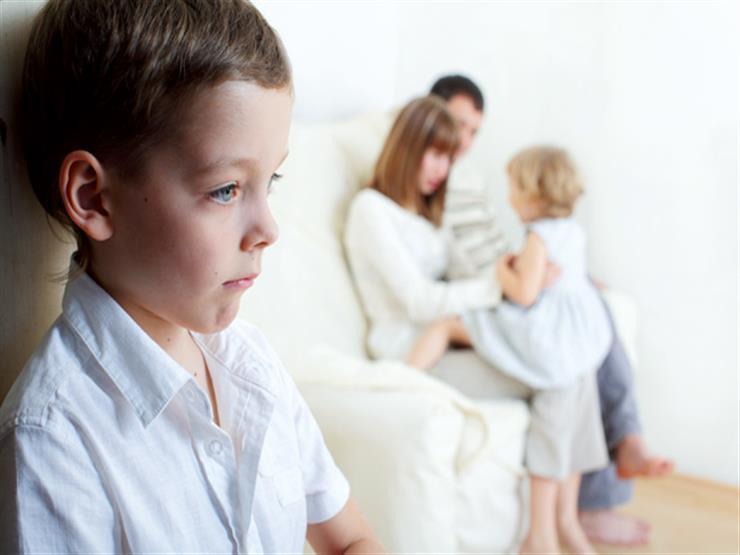 6 أسباب تدفع أطفالك إلى الغيرة