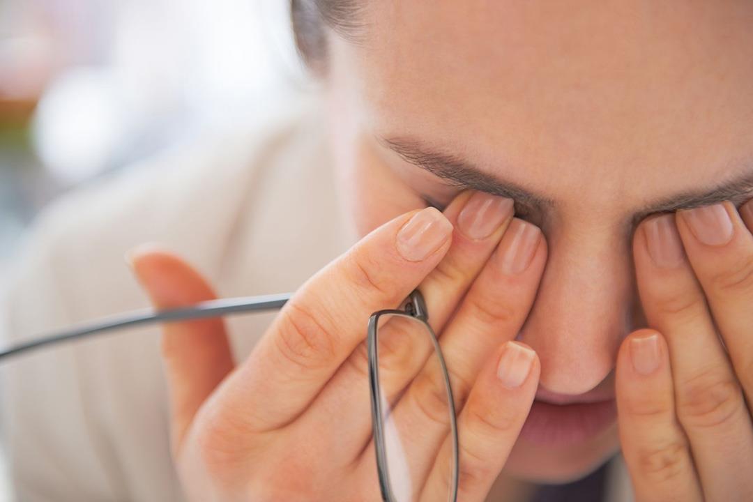 هل عدم الالتزام بارتداء النظارة الطبية يزيد ضعف النظر الكونسلتو