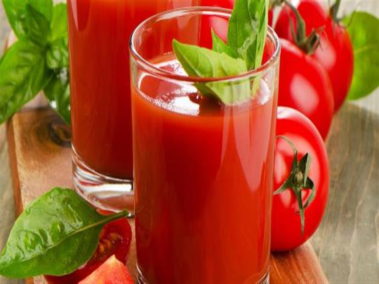 باحثون: تناول عصير الطماطم يوميًا يقي من ارتفاع الضغط وأمراض القلب