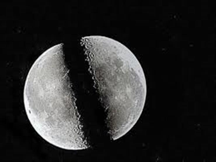 """من دلائل النبوة: المعجزات الحسية ومنها """"انشقاق القمر"""""""