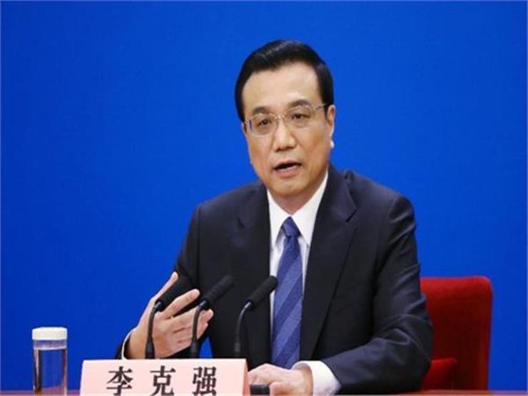 رئيس وزراء الصين يحذّر: فكّ الارتباط مع أمريكا سيلحق ضررًا بالعالم