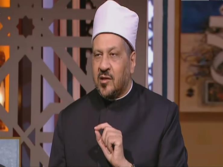 هل يجوز لمن لا يحفظ شيئاً من القرآن أن يقرأ الفاتحة فقط في كل ركعة؟ - مجدي عاشور يجيب