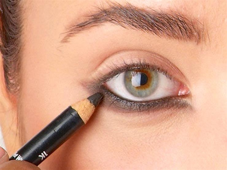 كيف تحافظين على كحل العين لأطول فترة ممكنة؟