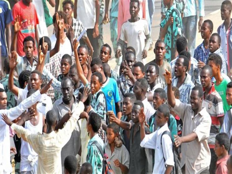 """السودان.. عودة """"المهدي"""" وسط احتجاجات على غلاء المعيشة"""