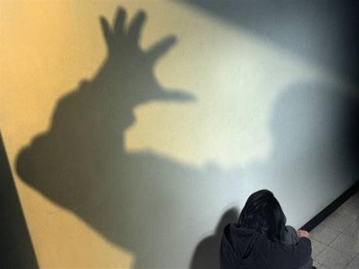 عاطل يستدرج مريضة نفسية من محطة طنطا ويحتجزها بمنزله للاعتداء عليها جنسيا