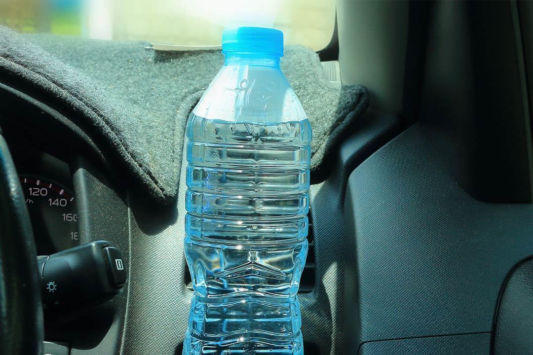 أضرار حفظ الماء في زجاجات بلاستيكية نصائح لتجنبها الكونسلتو