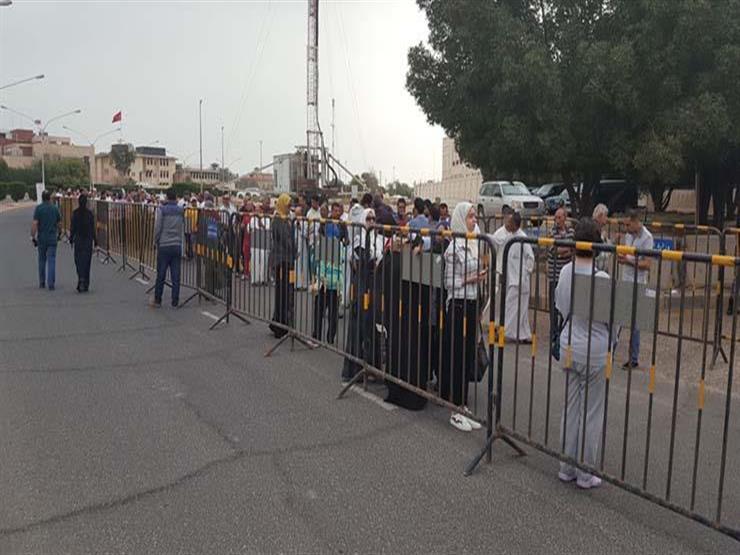 سفير مصر بالكويت يفتتح لجنة الانتخابات الرئاسية وسط حشود هائلة من الناخبين