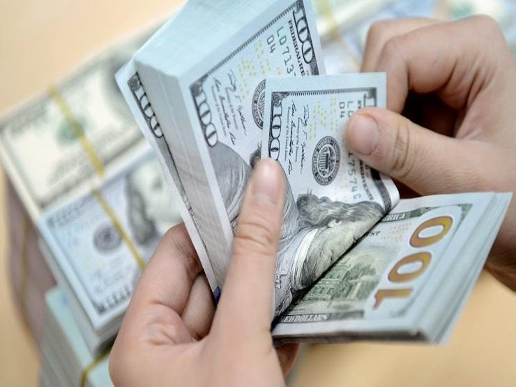 في بداية التعاملات .. الدولار يرتفع في أبوظبي الإسلامي ويستقر في 9 بنوك