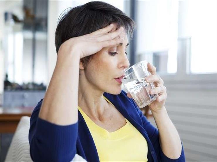 ما العلاقة بين اضطرابات النوم بعد انقطاع الطمث وزيادة الوزن؟.. دراسة تجيب