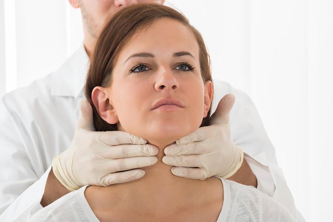 6 مخاطر لإهمال علاج قصور الغدة الدرقية.. بينها العقم