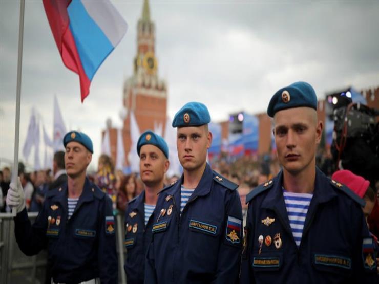بالفيديو- تعرف على ما قررته روسيا لتشجيع شعبهم على الإبتسام في وجه المشجعين