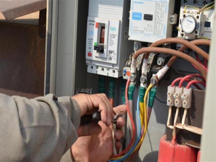 ضبط 12 ألف قضية سرقة تيار كهربائي في يوم واحد
