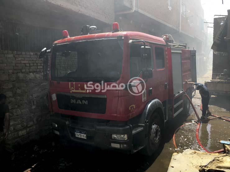 السيطرة على حريق داخل مخزن قطع غيار في سوهاج