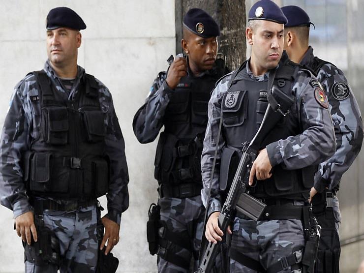 البرازيل: لصوص يهاجمون بنكًا ويستخدمون رهائن كدروع بشرية