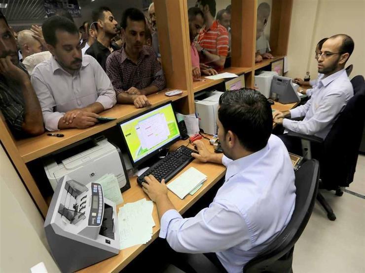 """""""ساعات مرنة وورديات"""".. الحكومة تدرس تطبيق نظام جديد على الموظفين"""
