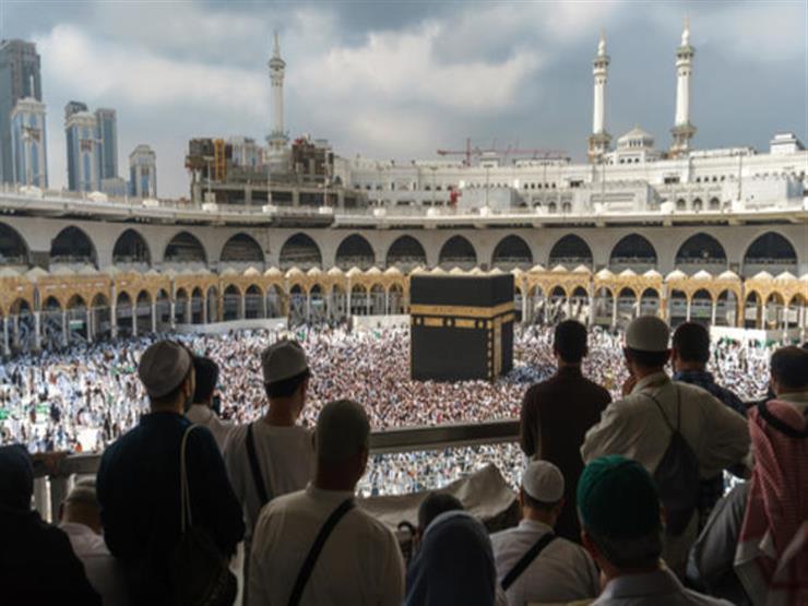 """السعودية تستقبل أول 6 آلاف معتمر من المسجلين في """"اعتمرنا"""""""