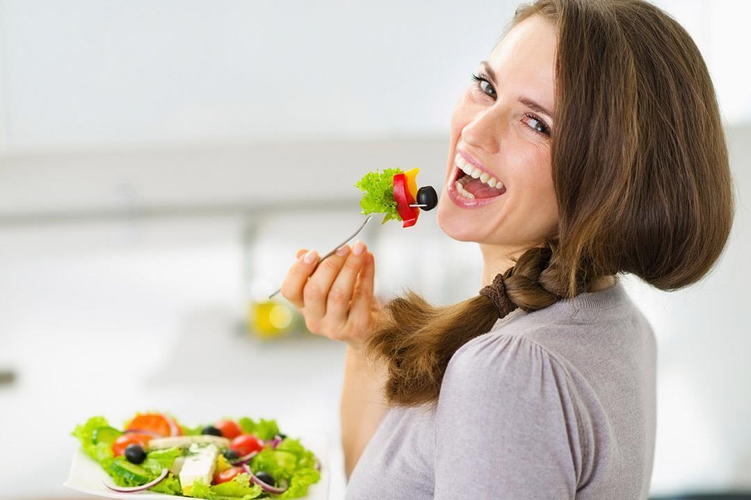 أطعمة لتحسين المزاج العام والشعور بالسعادة