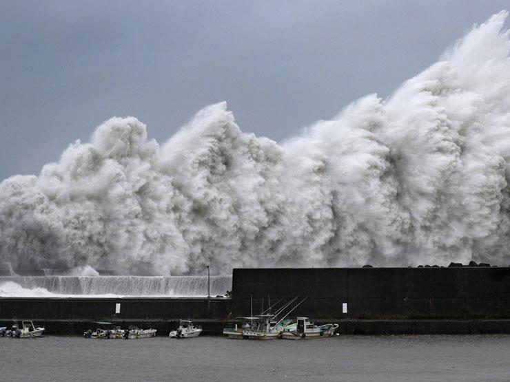 """اليابان.. كارثة جديدة بعد إعصار """"جيبي"""" المرعب"""