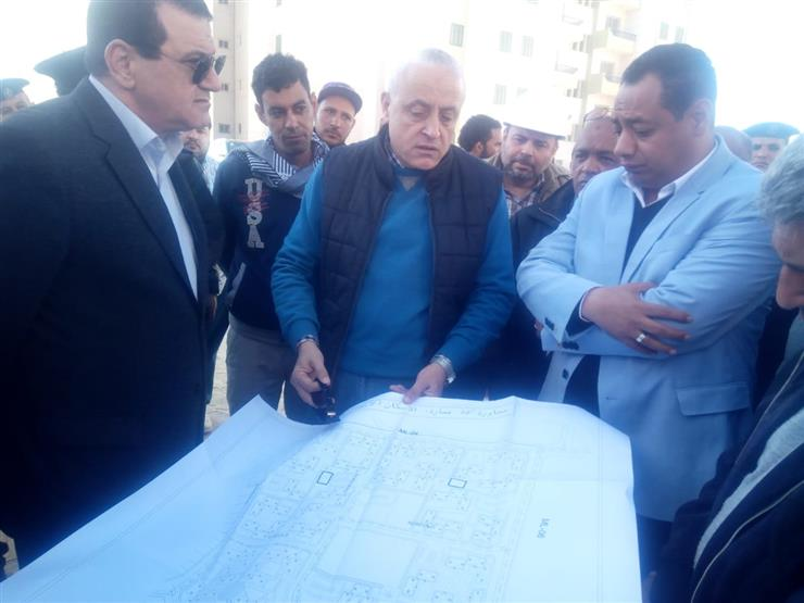 نائب رئيس المجتمعات العمرانية يتفقد المشروعات بمدينة المنيا الجديدة- صور
