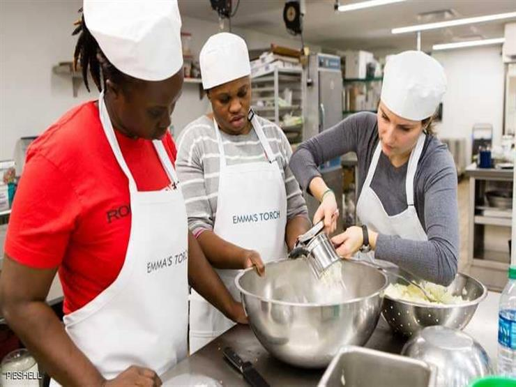 مطعم أميركي يقدم أطباقا من إعداد اللاجئين