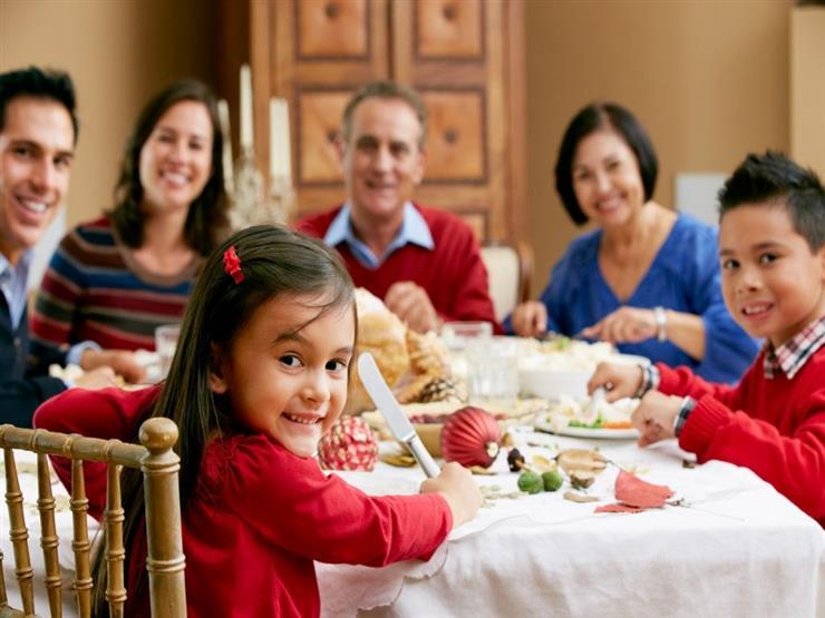نصائح هامة وضرورية لتدريب طفلك على تناول الطعام الصحي